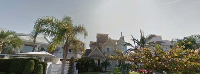 Casas cinza