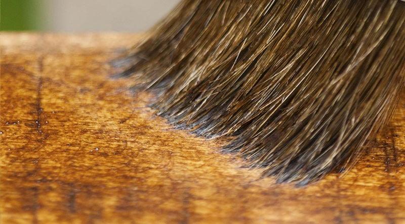 Como aplicar verniz em madeiras